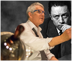 Photo l etranger avec camus en portrait
